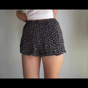 Brandy Melville Vodi Shorts